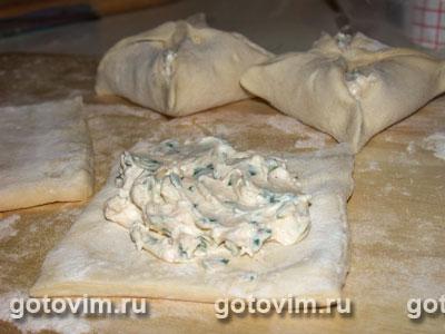 Cлоеные пирожки с брынзой