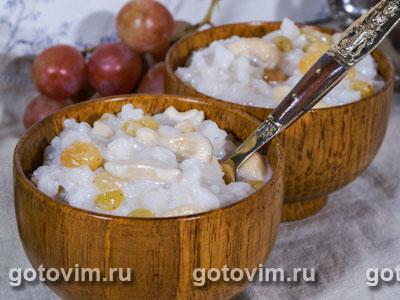 Рисовый десерт с кокосовым молоком и кешью