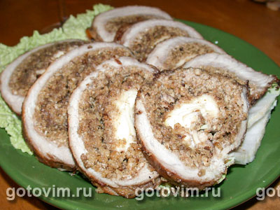 Рулет мясной с орехами. Фото-рецепт