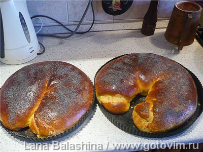 Рулеты из венского теста с ореховой и маковой начинкой