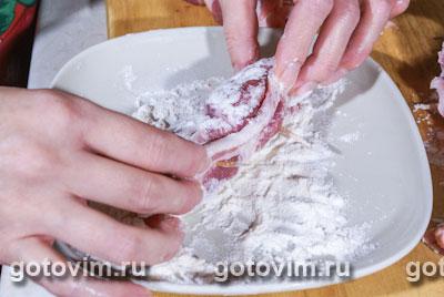 Мясные рулетики в арахисовой панировке