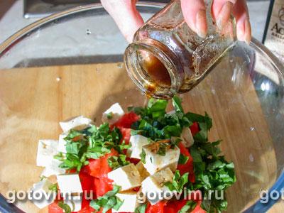 Салат из арбуза с сыром фета