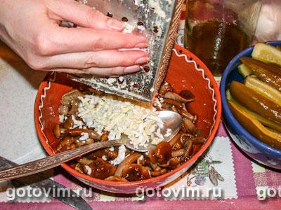 Грибной салат с сыром