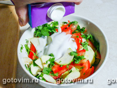 Салат c молодыми кабачками