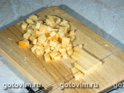 Макаронный салат с сыром и колбасой