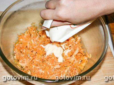 Салат из моркови с курицей