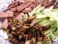 Салат из печенки с грибами