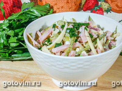 Салат из ветчины с сыром