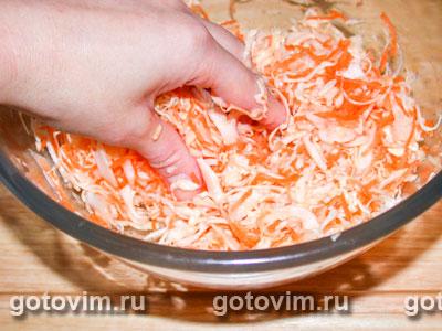 Салат из яблок и капусты с апельсиновым соусом