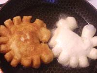Пирожки с сыром и помидорами