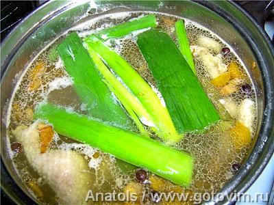 Суп из лисичек с макаронами