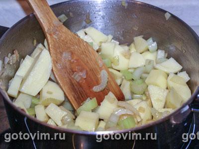 Картофельный суп пюре с сельдереем и куриными клецками