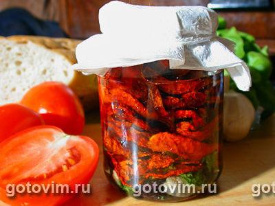 Сушеные помидоры с пряными травами в масле. Фото-рецепт