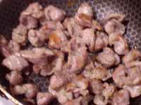 Теплый салат из куриных потрошков с опятами