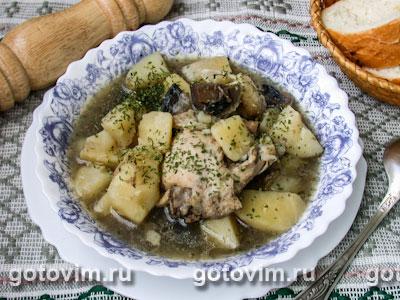 Тушеная курица с грибами и овощами